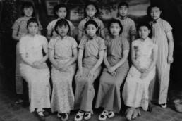 evolution qipao cheongsam dress- female students in 1930s Shanghai